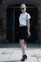 white h&m divided t-shirt - black Vero Moda shirt - black Shop Affaire bag