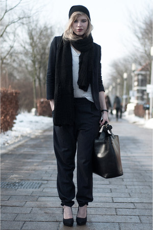 black H&M hat - navy H&M Trend blazer - black Zara bag - ivory H&M t-shirt