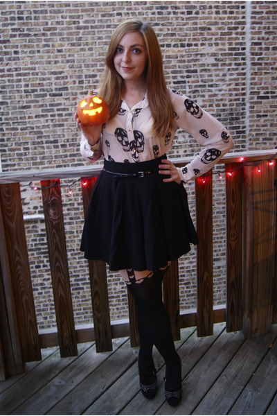 black Forever 21 skirt - eggshell Topshop tights - black Express belt