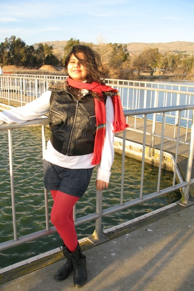 red Claires tights - black united colors of benetton shoes - paper tee jacket