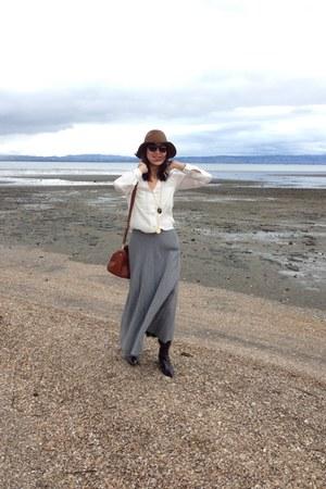 vintage maxi skirt - fringe bag