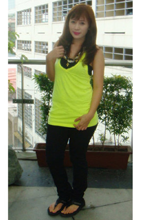 black necklace Bubbles accessories - yellow colors Forever 21 top