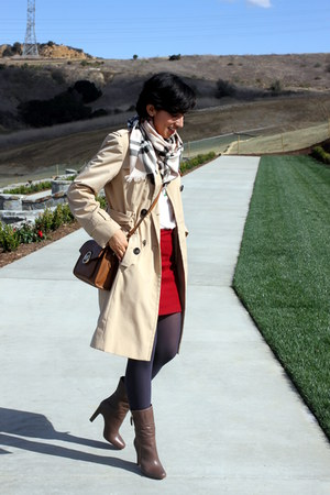 light brown coach boots - beige calvin klein coat - red Burberry scarf
