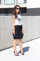 Adidas t-shirt - Zara skirt