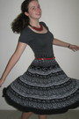 Charcoal-gray-shirt-black-skirt-ruby-red-necklace