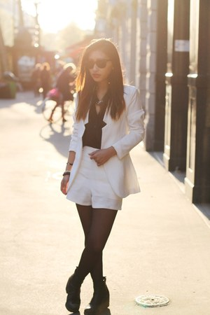white Yesstyle blazer - white Yesstyle blazer - black Forever 21 shirt