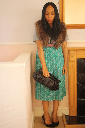 vintage skirt - Primark purse - faux fur stole H&M accessories