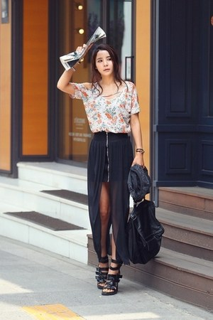 H&amp;M skirt - Zara bag