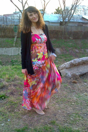 hot pink maxi dress - beige oxfords shoes - black Lefties cardigan
