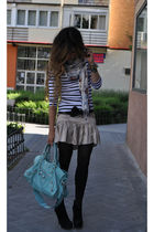 black and white Zara t-shirt - black Pura Lopez shoes - gold Bel Air dress