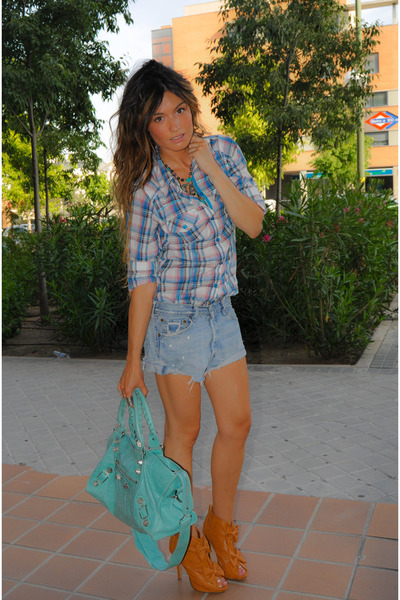 Primark shirt - brown GoJane shoes - Levis jeans - blue balenciaga bag