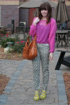 neon lulus heels - gold chain link Oia Jules necklace