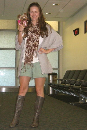 Target boots - H&amp;M scarf - American Eagle shorts - TJ Maxx sweater - Lauren Conr