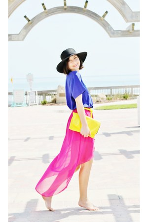 hot pink skirt - blue top - yellow belt