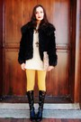 Black-coat-mustard-tights