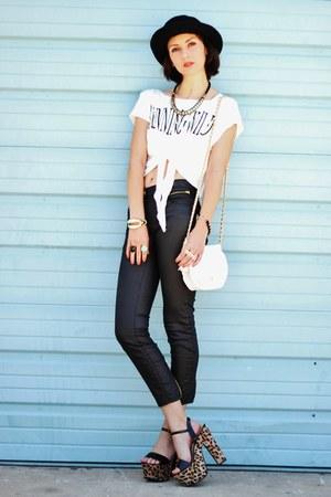 gold OASAP ring - camel shoes - white vintage bag - black pants