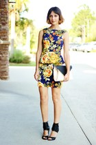 navy floral print dress - black bag - black heels