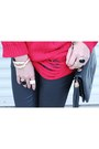 Red-romwecom-sweater-gold-oasap-ring