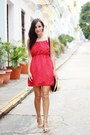 Red-dress-gold-sandals
