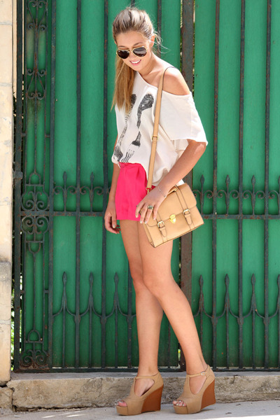 hot pink H&M shorts - nude asos bag - beige romwe top