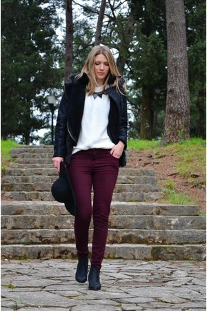 white Bershka sweater - black ankle boots Bershka boots