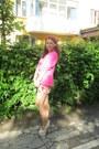 Golden-h-m-necklace-pink-h-m-blazer-beige-doubt-heels