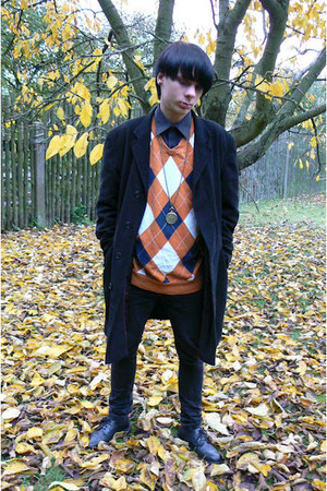 black Deichmann shoes - black next coat - black Levis jeans - orange no sweater