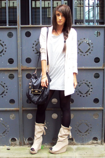 beige suede Zara boots - beige nude H&M blazer - black bag Topshop accessories