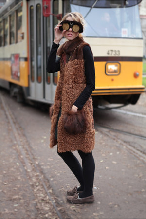 fur Ugg Australia shoes - vintage Chanel bag - fur Natasha Morgan sunglasses