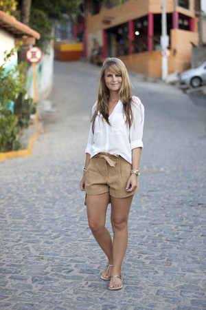 Zara blouse - Mango bag - Miss Selfridge shorts - Havaianas sandals