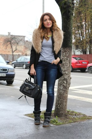 Zara coat - Guess bag - fishbone blouse - Bershka sneakers