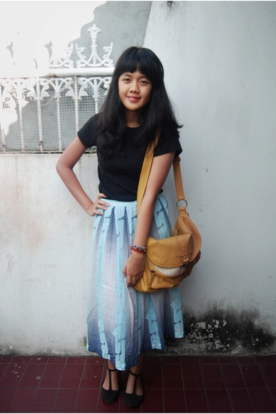 Old Navy t-shirt - skirt - Missyelle purse - bracelet - galdy shoes