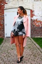 Forever 21 shorts - Mango sweatshirt - Gucci heels