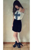 velvet skirt American Apparel skirt - crss tee Urban Outfitters t-shirt