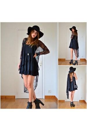 black brandy melville dress - black vintage hat - black Jeffrey Campbell heels