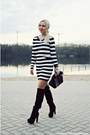 Black-boots-black-bag-white-blouse-white-skirt