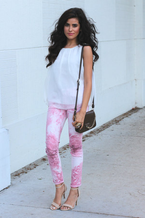 white chiffon 2020AVE top - bubble gum Rich & Skinny jeans