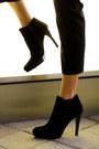 Gold-spike-society-of-chic-bracelet-black-heels-stuart-weitzman-boots