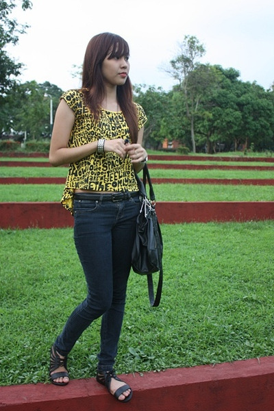 yellow Cropped F&H t-shirt - black random jeans - black Natasha shoes - black Pr