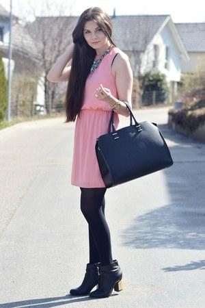 bubble gum H&M dress - black new look boots - black H&M bag