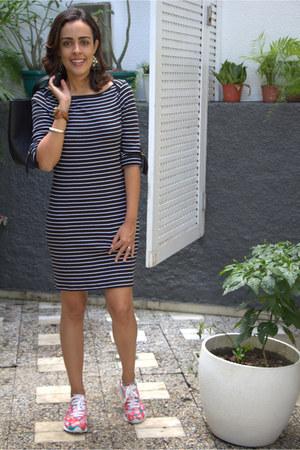 coral printed Converse sneakers - black stripes Michael Kors dress
