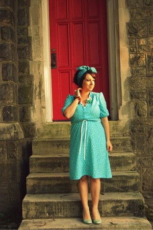 turquoise blue printed Vintage via swap with The Modest Muse dress
