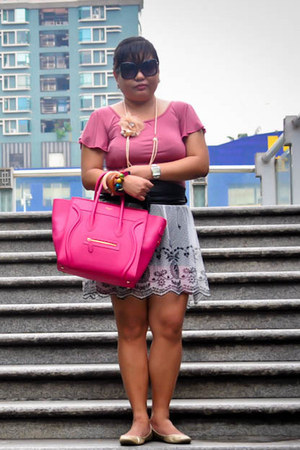white lace and tulle Random from Korea skirt - hot pink microluggage Celine bag