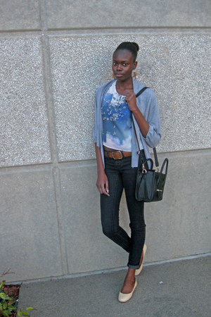 black Mimi Boutique bag - brown Old Navy belt - white floral H&amp;M top
