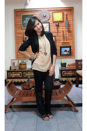 Giordano Ladies blazer - shooz wedges - The Executive pants - Things We Love top