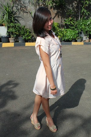 xSML dress - unbranded necklace - shooz wedges - Accessarie bracelet