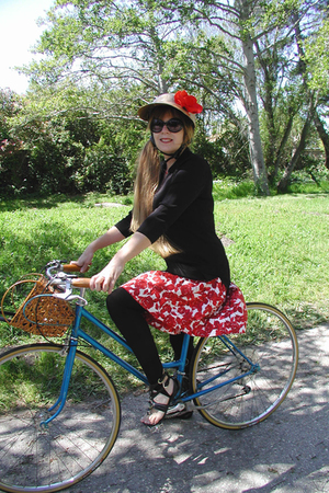 RidingPretty hat - Thrift Store skirt - H &amp;M leggings - UO shoes - forever 21 gl