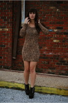 camel leopard print H&M dress - black Sole Boutique wedges