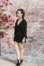 Black-v-neck-boohoo-romper-black-booties-forever-21-heels