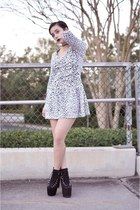 white vintage dress - black hellbounds UNIF heels